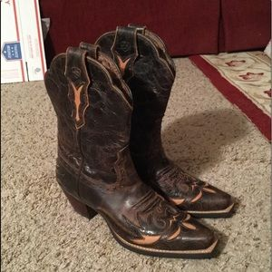 ARIAT DAHLIA EMBOSSED LEATHER COWBOY BOOTS 6.5 NEW